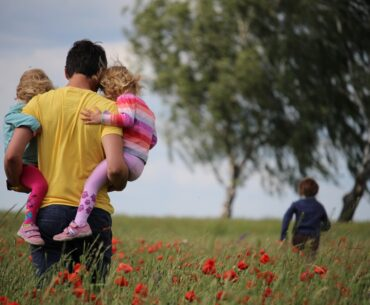 The growing pressures single dads face raising children